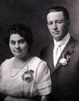 Newton Turpin Jr. and wife Mamie - Fold3.com