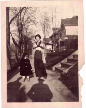 Copy of Claire and Virginia Knox 1913 St Paul Minnesota