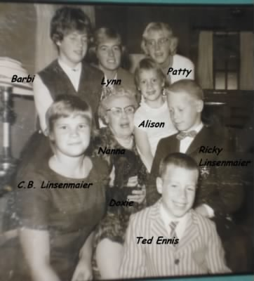 Janet's Mother/Nora, with Grandchildren /Janet's and Alta's :) - Fold3.com