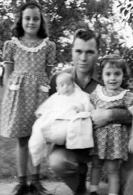 Sandy, Daddy (holding Mike) & Jan - Fold3.com