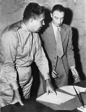 General Leslie Groves (left) with Professor Robert Oppenheimer