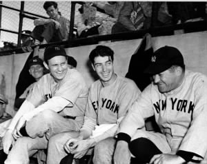 Lefty Gomez, Joe DiMaggio and manager Joe McCarthy.jpg