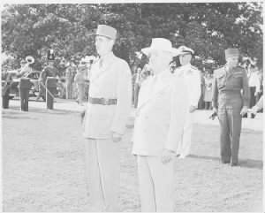 Photograph_of_President_Truman_and_French_President_Charles_de_Gaulle,_standing_at_attention_during_welcoming..._-_NARA_-_199187.jpg