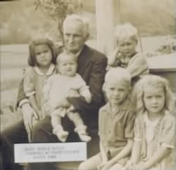 Henry Reuben Taylor (Grandpa Taylor Warren Sr Dad) with Grand Children (FA)  1944bbb.jpg